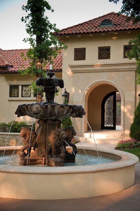 1877 courtyard