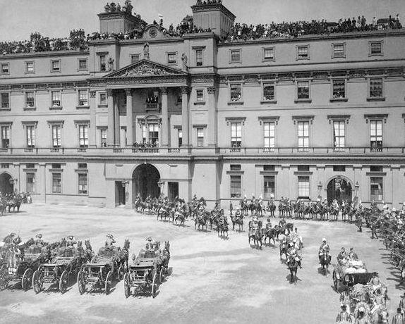 233 Best Images About Buckingham Palace On Pinterest