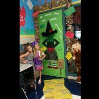 The 25+ best ideas about Halloween Classroom Door on ...