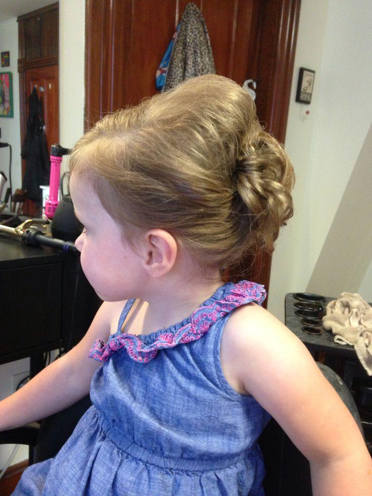 17 Bästa Idéer Om Toddler Updo På Pinterest Frisyrer Småbarn Och