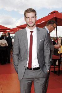 Groomsmen Look. Gray Suit/Red tie