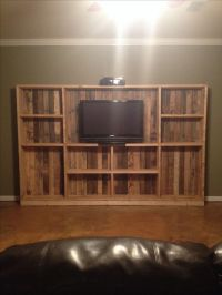 DIY pallet entertainment center | Home Stuff | Pinterest ...