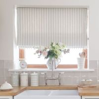 25+ Best Ideas about Kitchen Window Blinds on Pinterest ...