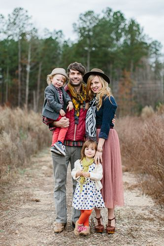 Non Matching Outfits For Family Photos Picture Ideas