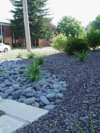 trap rock & Mexican beach pebbles - nice combination of ...