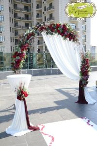 1000+ ideas about Wedding Arch Decorations on Pinterest ...