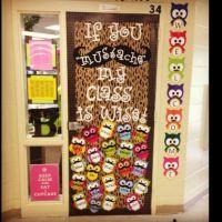 My mom's 5th grade classroom door | Bulletin board/door ...