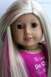 saige blonde hair pink highlights