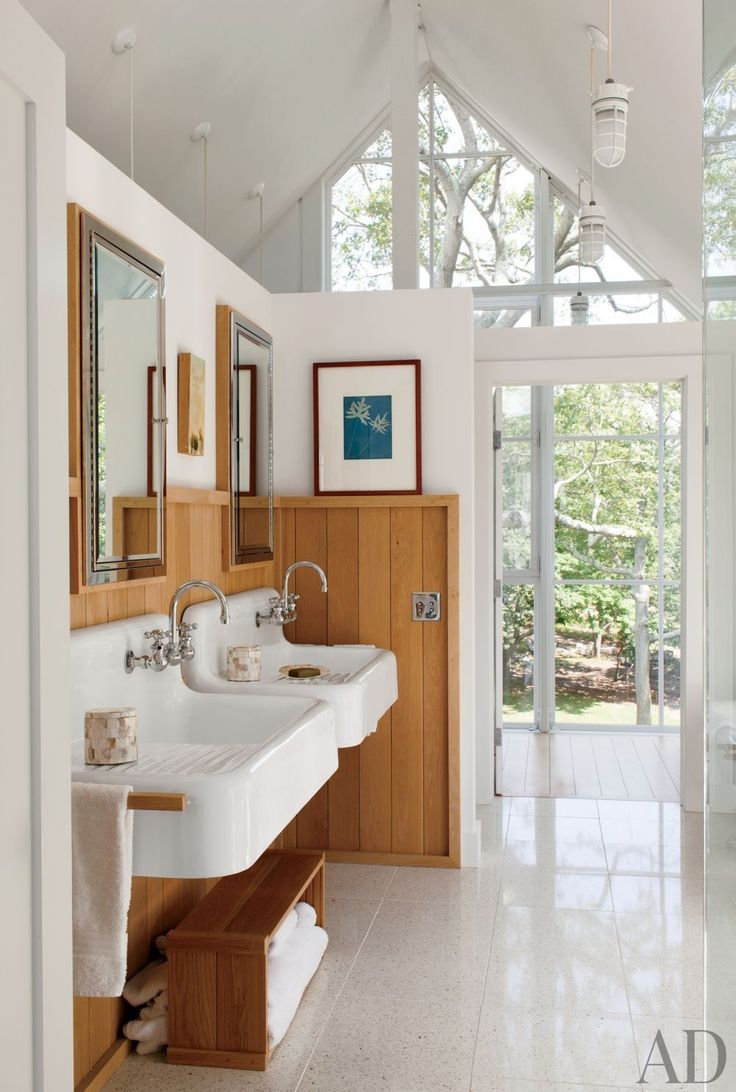 Beach Bathroom by Philip Galanes and Michael Haverland Architect in Shelter Island New York