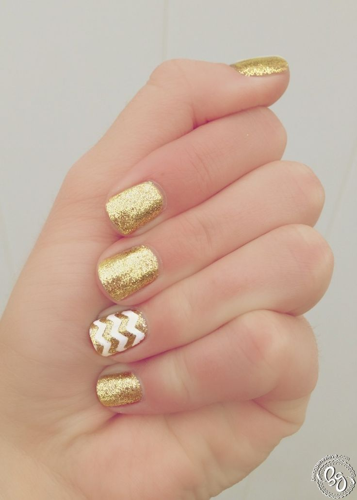 Love this DIY Gold Girl Manicure! #