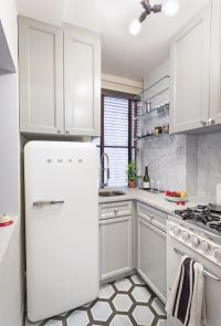 17 Best ideas about Small Apartment Kitchen on Pinterest ...