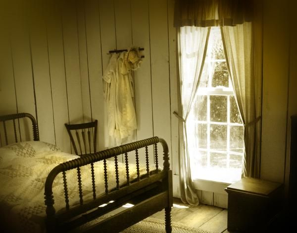 Simple Old Fashion Farmhouse Bedroom Rustic Style