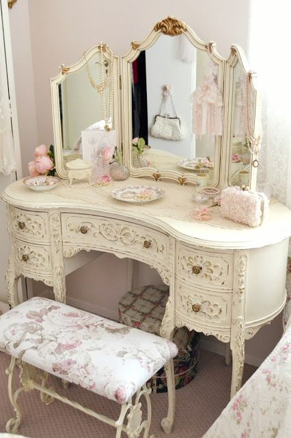1000 Ideas About Vintage Bedroom Decor On Pinterest Bedrooms. Vintage Bedroom Suite   Bedroom Style Ideas