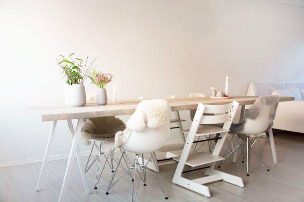 GUIDE sdan laver du et spisebord med brede planker  Met
