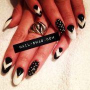 nail-swag point nail