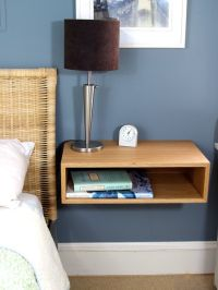 1000+ ideas about Bedside Table Decor on Pinterest | White ...
