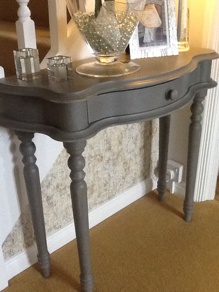 Annie Sloan chalk painted table  2 parts French Linen 1