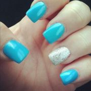 light blue nails and sparkly