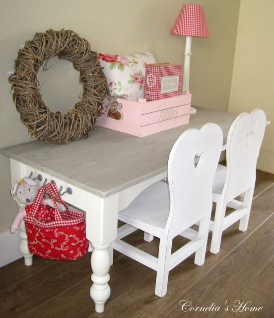 Landelijke brocante kindertafel op maat wit met vergrijsd
