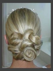 hairstyles classic wedding updo