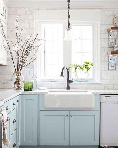 25 best ideas about Small cottage kitchen on Pinterest