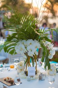 Best Tropical Wedding Centerpieces ideas on Pinterest ...