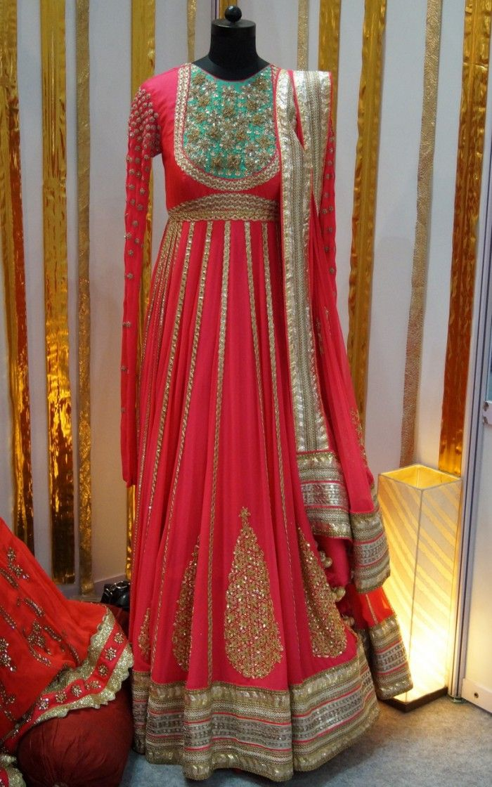 Wills Lifestyle India Fashion Week 2014: Bridal Buys We Spotted !