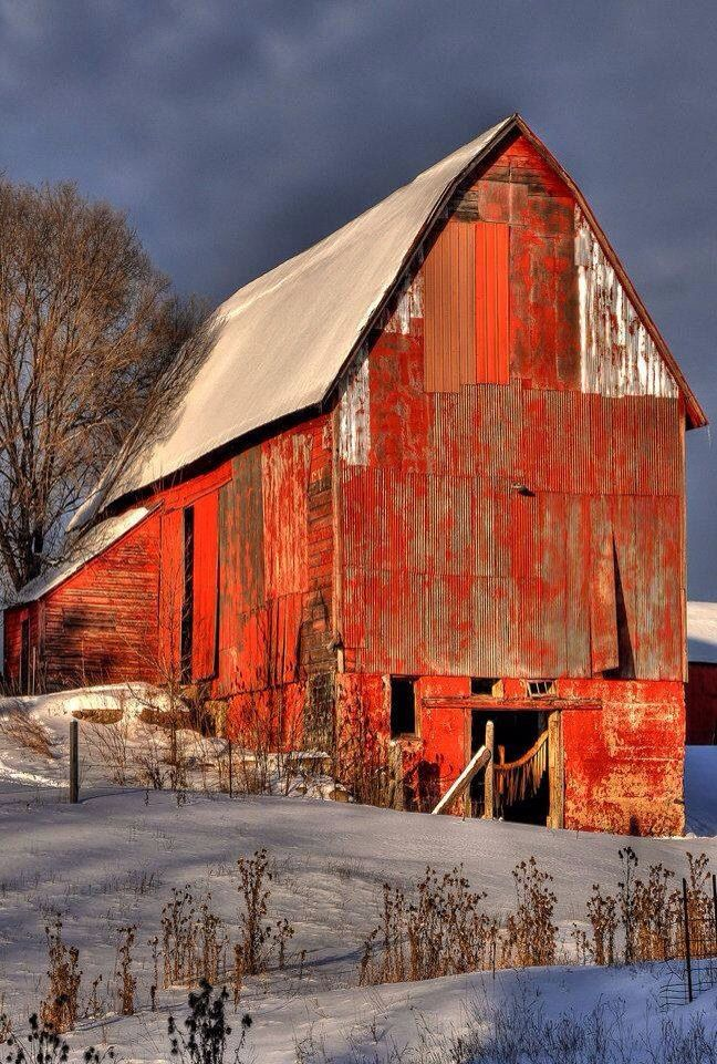 Beautiful old red barn  ATTRACTED TO RED  Pinterest  Beautiful Beauty and Design