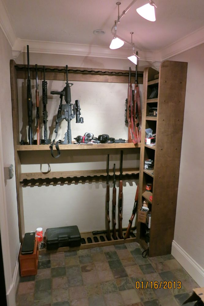 Double Level Vertical Gun Rack with Storage Shelves for a