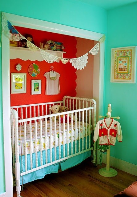 Take Off The Closet Doors To Create A Nursery Nook Especially For Small Bedroom