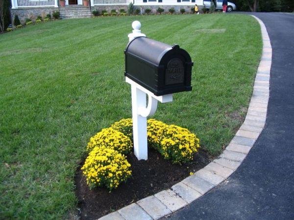 mailbox withflowers