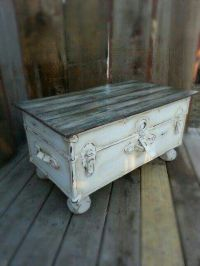 25+ best ideas about Old Trunks on Pinterest | Decorative ...