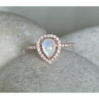 Best 25+ Moonstone engagement rings ideas on Pinterest ...
