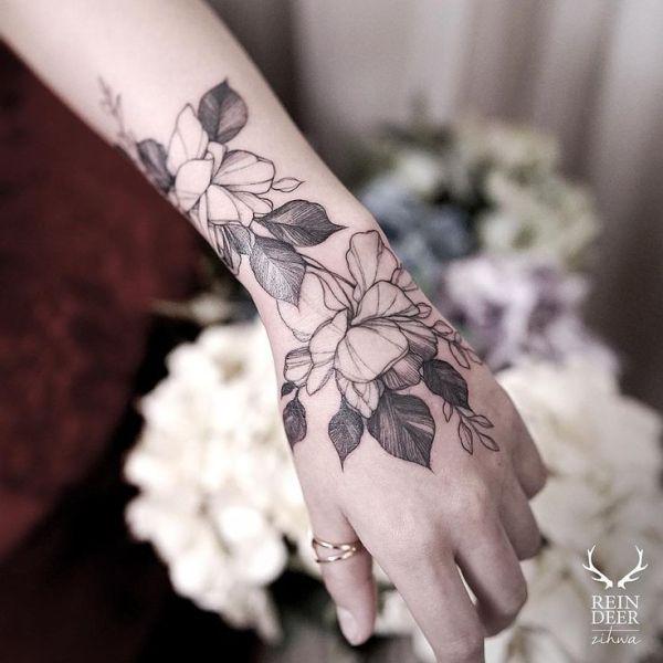 flower wrist tattoos ideas