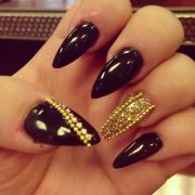 black and gold jeweled nails claws
