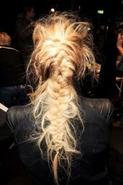 messy french braid cheveux