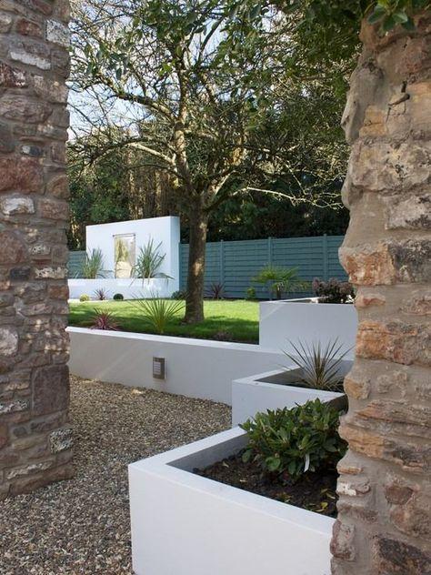 h gartenmauer modern um terrasse | moregs, Gartenarbeit ideen