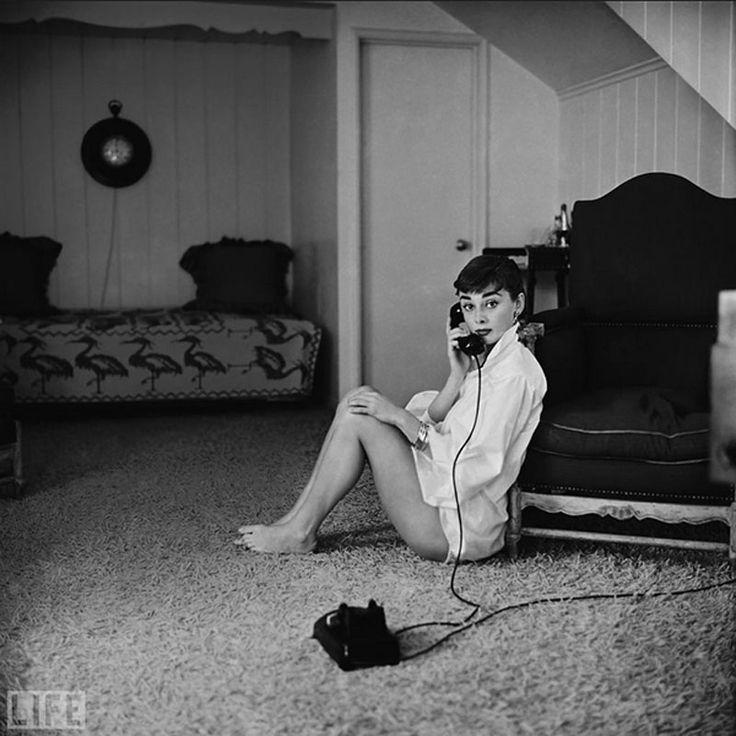 17 Best Ideas About Audrey Hepburn Painting On Pinterest