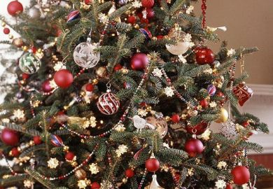 How To Decorate A Christmas Tree Bhg