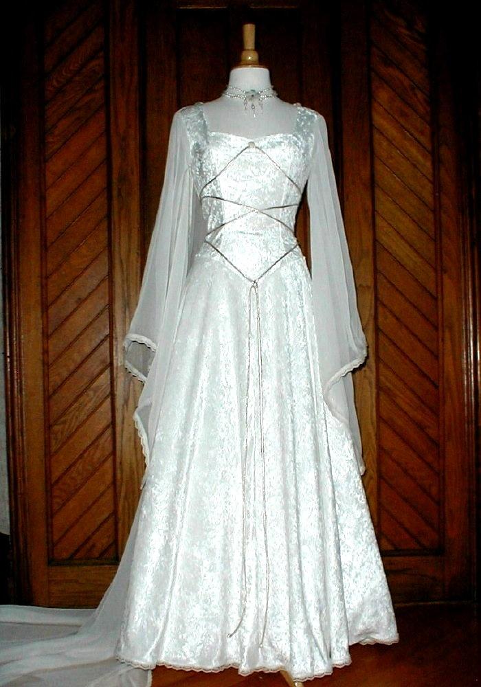 14th century style dress  romeo  juliet project  Pinterest  Beautiful Wedding and Sleeve