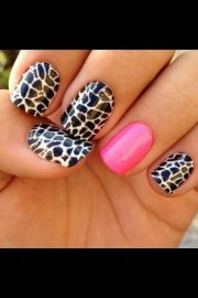 black and white crackle nail design