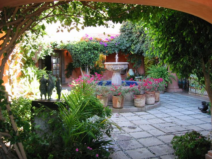 25 Best Ideas About Mexican Courtyard On Pinterest Mexican