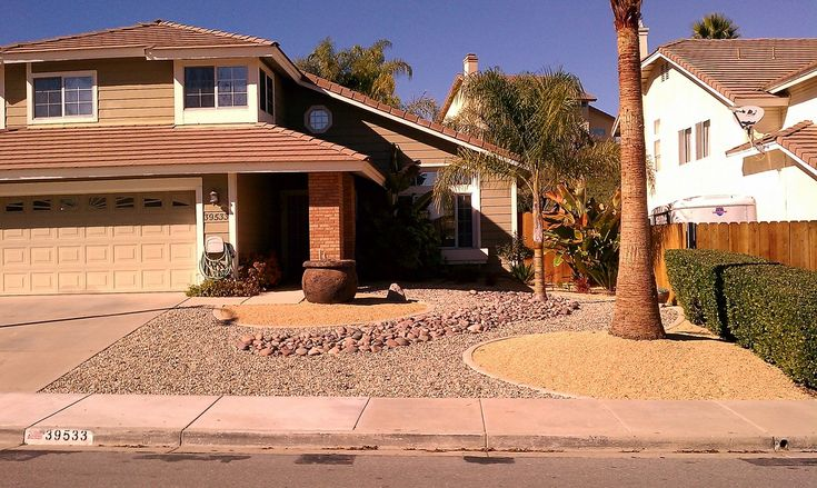 Full View Of A Xeriscaped Front Yard Xeriscape Designs Pinterest