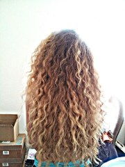 curly hair mix water and salt
