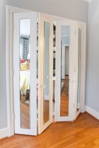 17 Best ideas about Mirrored Closet Doors on Pinterest