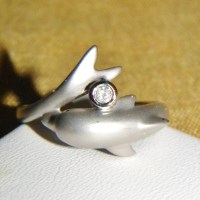 1000+ images about Dolphin rings on Pinterest | White gold ...