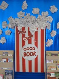 25+ best ideas about Library bulletin boards on Pinterest ...