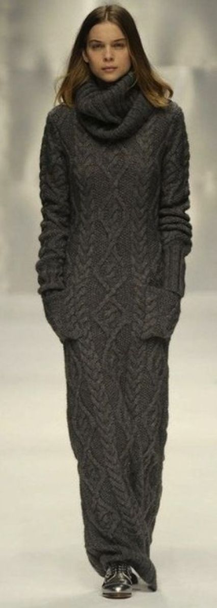 ZsaZsa Bellagio/ mi mum & i use 2 wear beautiful italian double knit sweater dresses such as this drop dead gorgeous one: