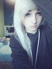 love hair and hoodie
