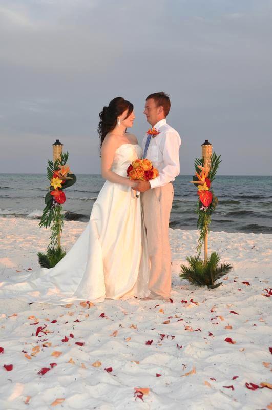 25 best ideas about Casual beach weddings on Pinterest  Beach wedding dresses casual Short